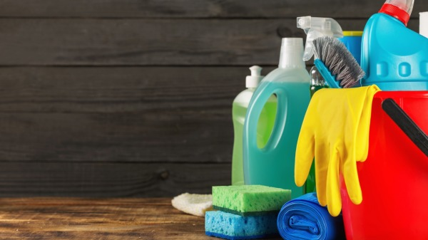 5 Must Have Cleaning Supplies